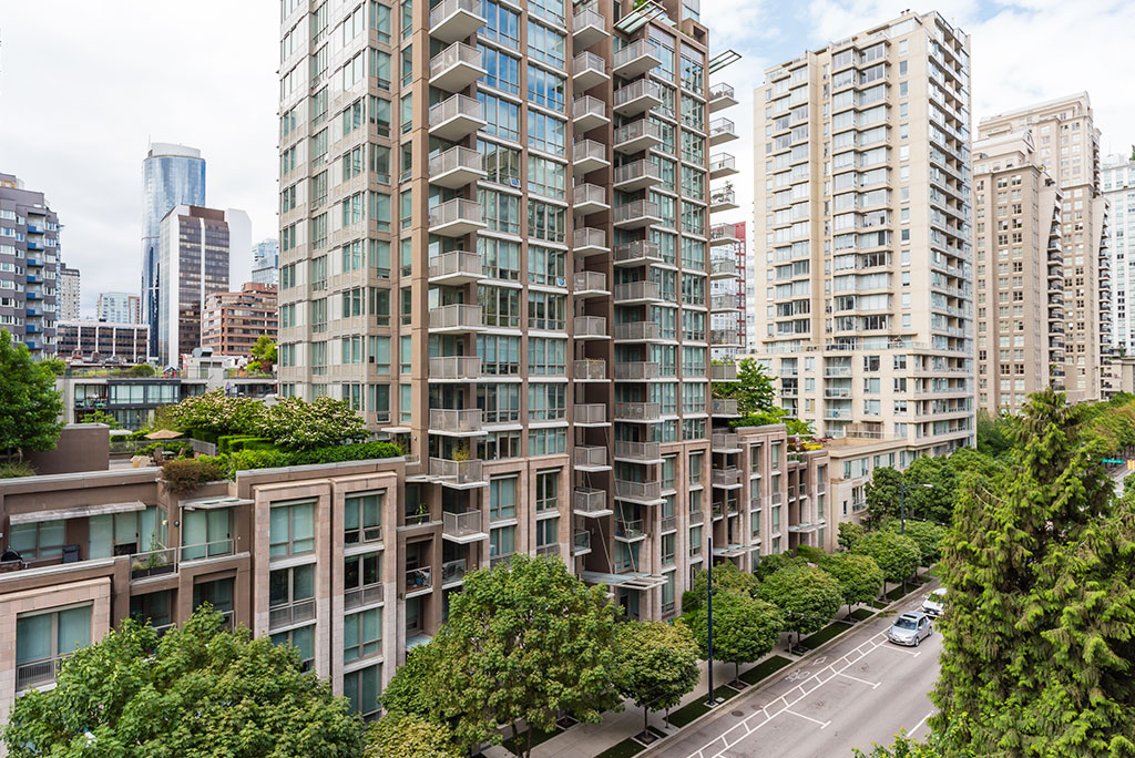 Relocate to Yaletown Vancouver Condo